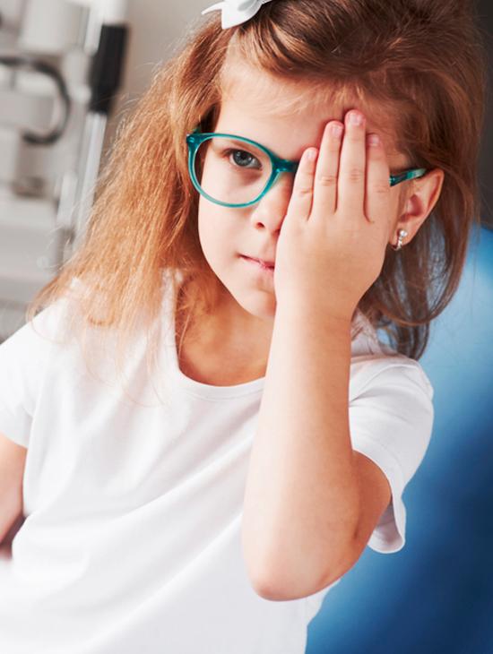 Modavision niña revisión ocular
